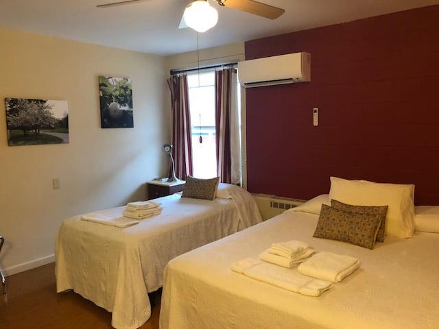 Maple Lodge Room