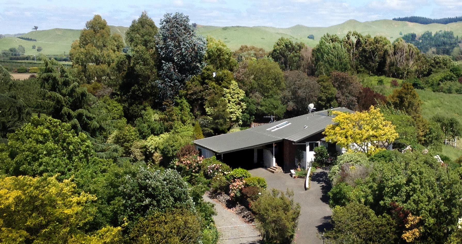 Tranquil, Spacious Retreat Centre in the Mediterranean of New Zealand